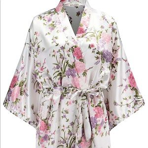Other - White floral bridal robe